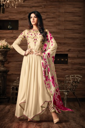Sonal Chauhan OffWhite Georgette Heavy Embroidery Thread and Zari Work  Salwar Kameez