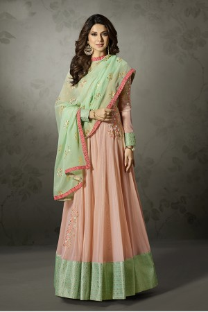 Jennifer Winget Peach Lycra Resham, Zari and Diamond Work with Gold Leather Print Dupatta Salwar Kameez