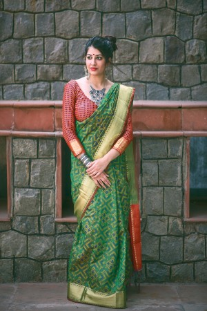 Gorgeous Green Weaving Patola Silk Saree