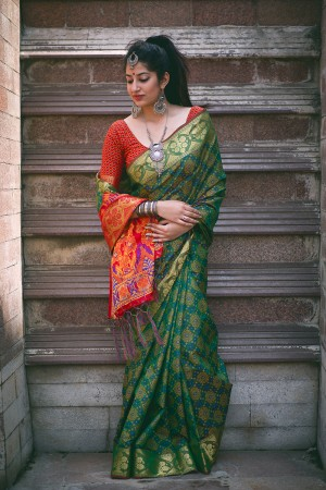 Graceful Green Weaving Patola Silk Saree