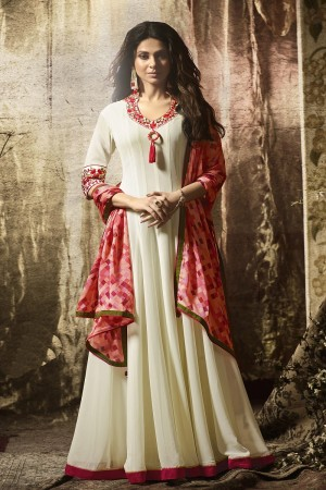 Jennifer Winget Cream Georgette Kashmiri Chain Stitch Work on Neck  Salwar Kameez
