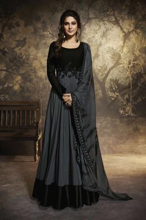 Jennifer Grey&Black Chanderi&Georgette Salwar Kameez