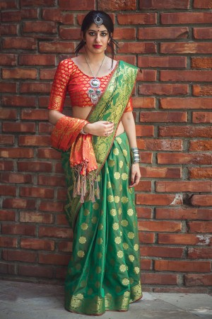 Ravishing Green Weaving Patola Silk Saree