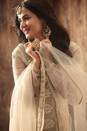 Dynamic Chiku Net Heavy Embroidery Sequance & Thread Work with Embroidery Dupatta Salwar Kameez