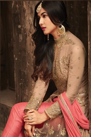 Immaculate Peach Net Heavy Embroidery Sequance & Thread Work Salwar Kameez
