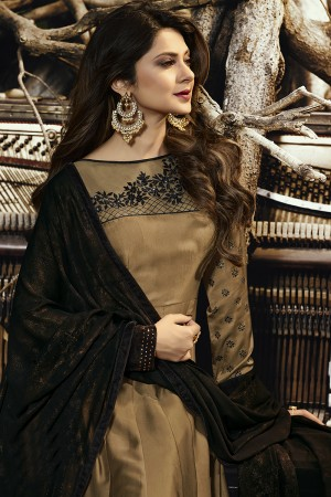Jennifer Winget Golden Satin Silk & velvet Embroidery on Organza, 4D Table Print on sleeve Salwar Kameez
