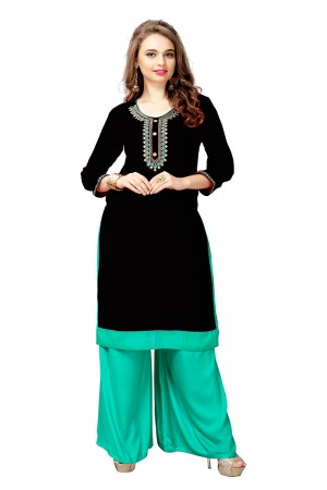 Charming Black Slub Cotton Embroidered Kurti